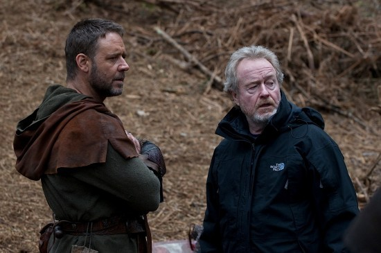 Russell Crowe e Sir Ridley Scott sul set di Robin Hood