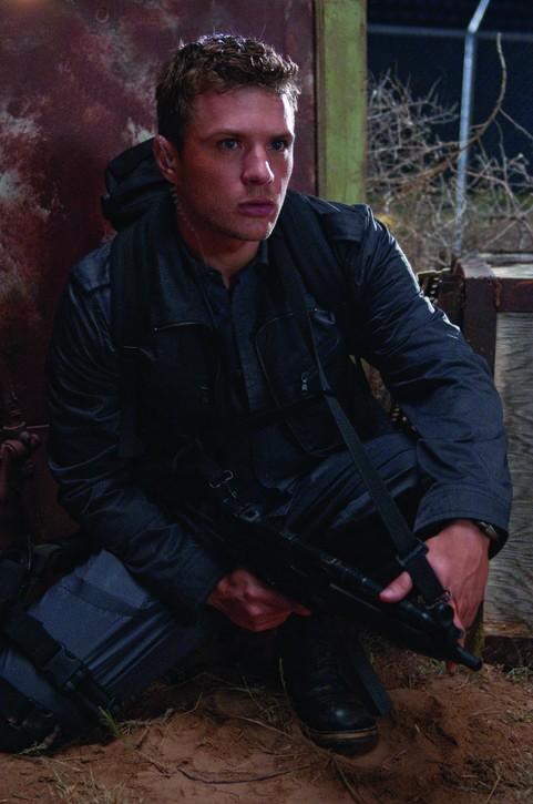 Ryan Phillippe in una scena del film MacGruber