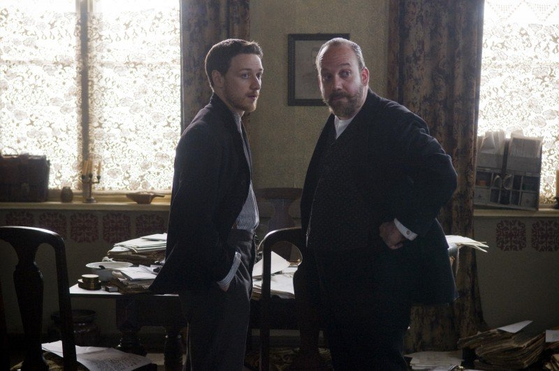 James McAvoy con Paul Giamatti in una scena del film The Last Station