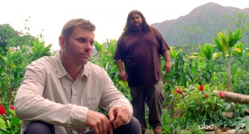 Jorge Garcia e Mark Pellegrino in una scena di Per cosa sono morti dalla sesta stagione di Lost