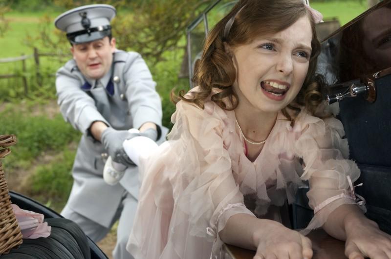 La tremenda Celia (Rosie Taylor-Ritson) nel film Tata Matilda e il grande botto