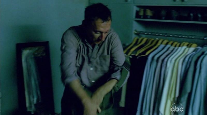 Michael Emerson in una scena di Per cosa sono morti, dalla sesta stagione di Lost