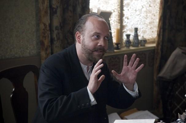 Paul Giamatti in una scena drammatica del film The Last Station
