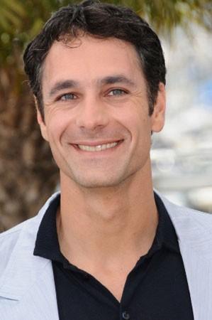 Raoul Bova a Cannes per presentare La nostra vita