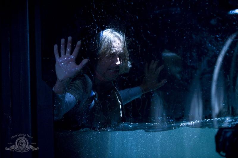 Una sequenza dell'episodio Pain di Stargate Universe con Robert Carlyle