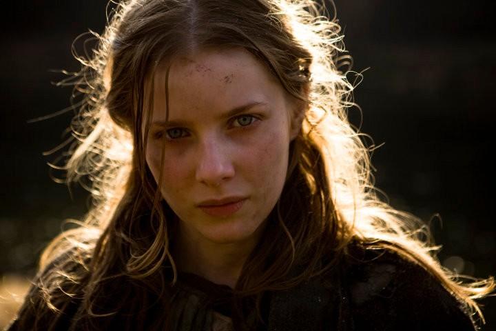 Rachel Hurd-Wood in un'immagine del film Solomon Kane