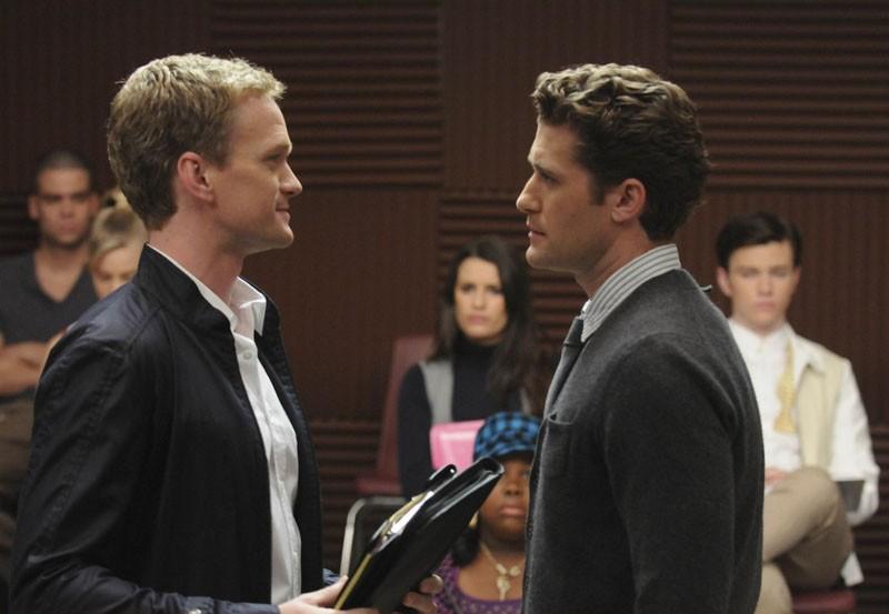 Bryan (Neil Patrick Harris) faccia a faccia con Will (Matthew Morrison) nell'episodio Dream On di Glee