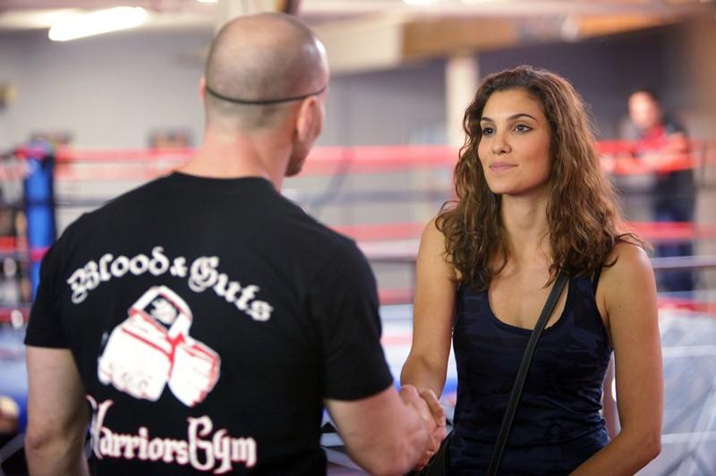 Kensi (Daniela Ruah) in una scena dell'episodio Hand-to-Hand di NCIS: Los Angeles