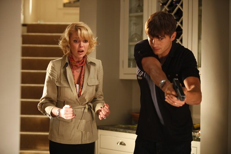 Katherine Heigl e Ashton Kutcher in una sequenza d'azione nel film Killers