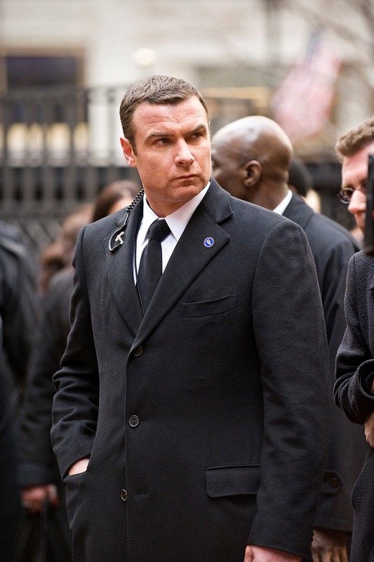 Liev Schreiber interpreta Winter nel film Salt