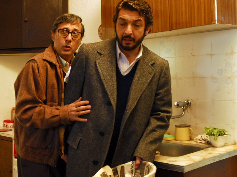 Ricardo Darín e Guillermo Francella in una sequenza del film Il segreto dei suoi occhi