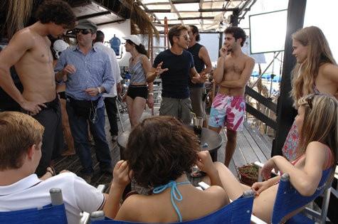 Un'immagine dal set del film Il compleanno con il regista Marco Filiberti