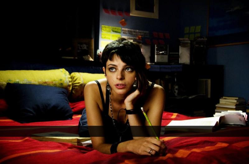 Agnese Claisse nel film Una canzone per te
