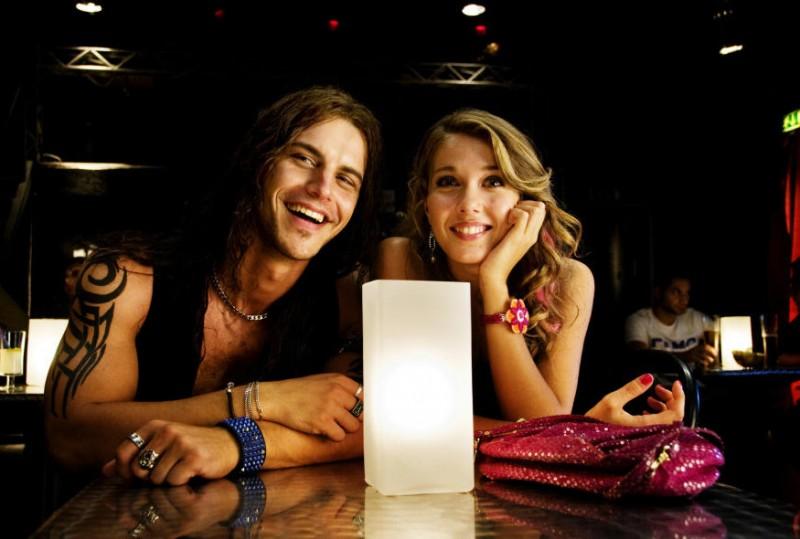 Andrea Montovoli e Martina Pinto in un'immagine del film Una canzone per te