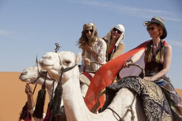 Carrie (Sarah Jessica Parker), Samantha (Kim Cattrall) e Miranda (Cynthia Nixon) in Medio Oriente per Sex and the City 2