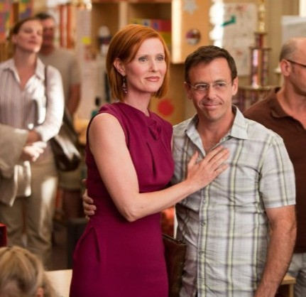 Cynthia Nixon e David Eigenberg in una scena di Sex and the City