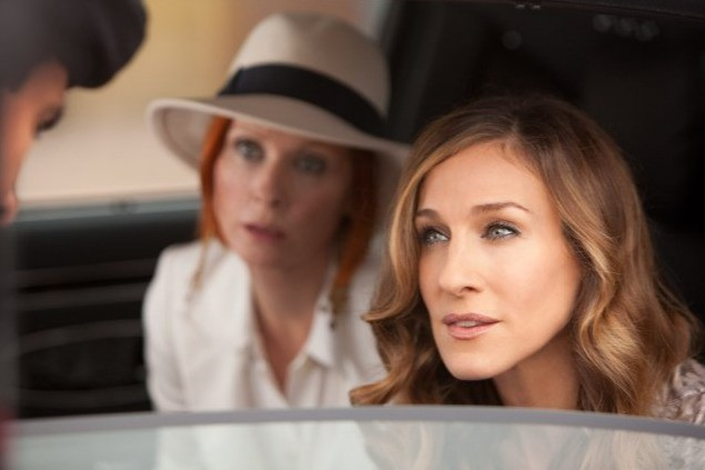Cynthia Nixon e Sarah Jessica Parker in una scena della commedia Sex and the City 2