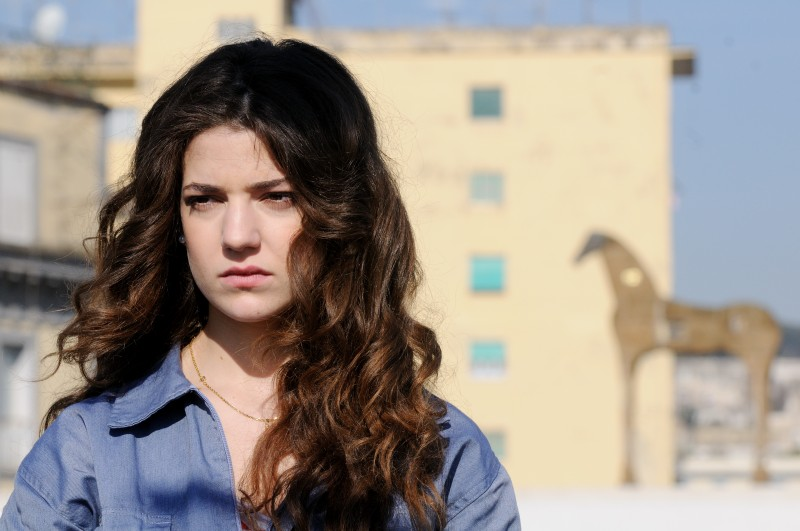 Esther Garrel in una scena del corto Armandino e il Madre