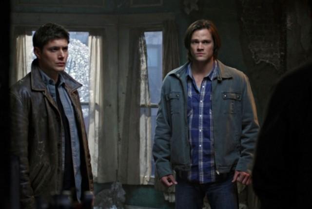Jared Padalecki e Jensen Ackles nell'episodio Swan Song di Supernatural