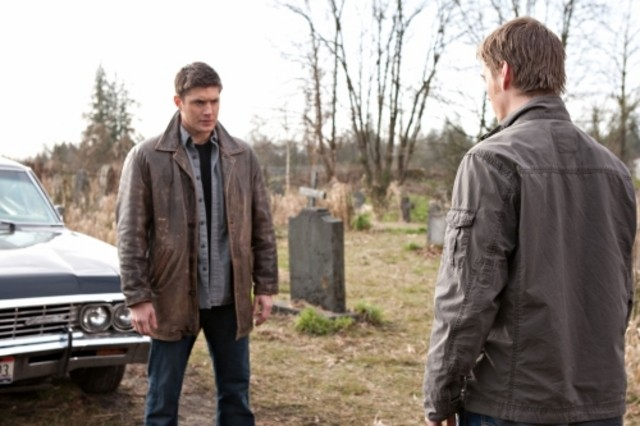Jensen Ackles e Jake Abel nell'episodio Swan Song di Supernatural