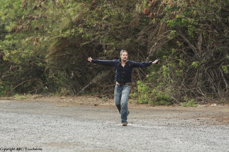 Josh Holloway in un momento del doppio finale di Lost
