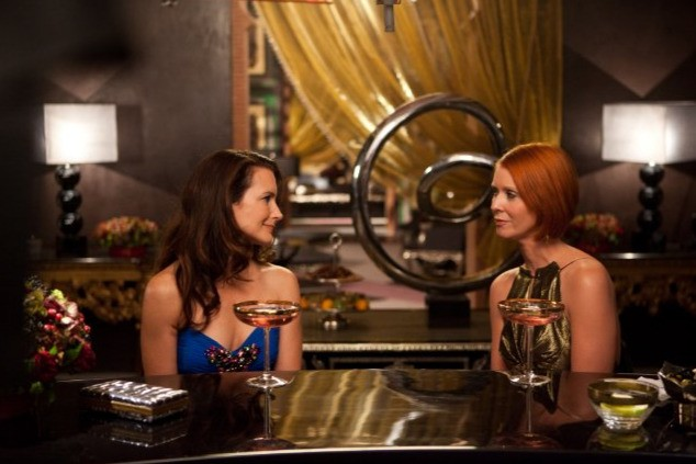 Kristin Davis e Cynthia Nixon in una scena del film Sex and the City 2