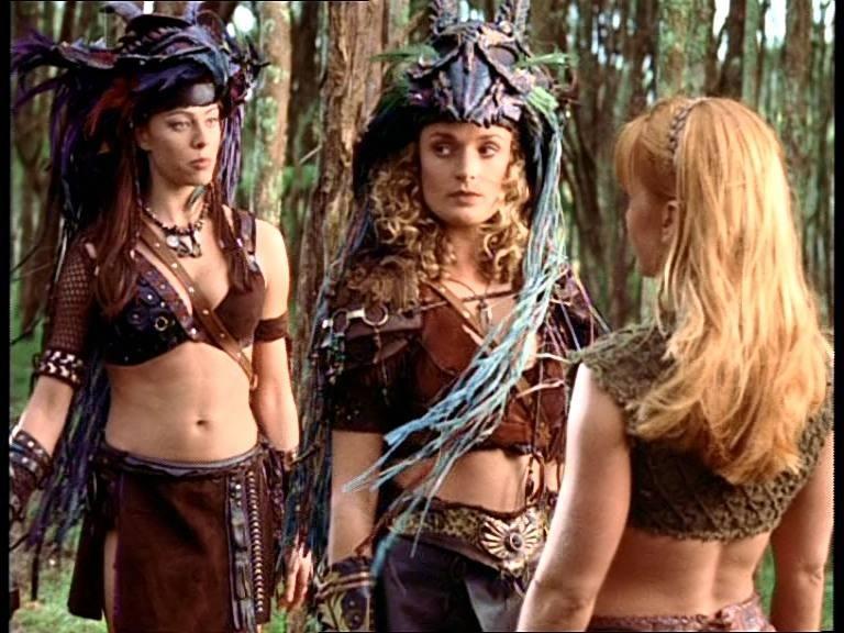 Melinda Clarke, Renee \'O Connor e Danielle Cormack in Xena alla ricerca dell\'Ambrosia