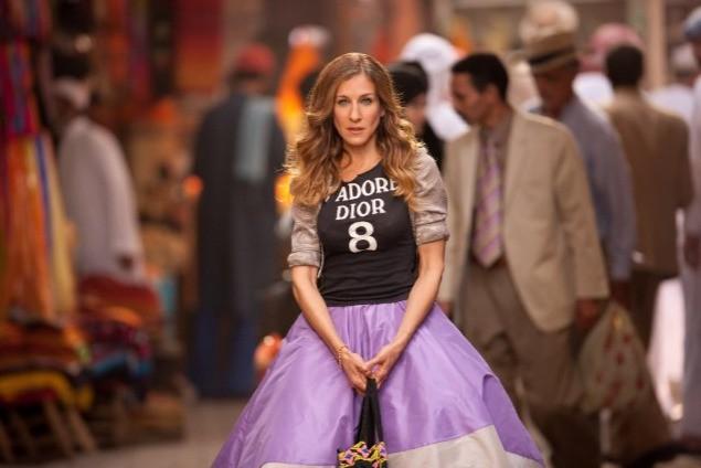 Sarah Jessica Parker sfoggia una t-shirt Dior nel film Sex and the City 2