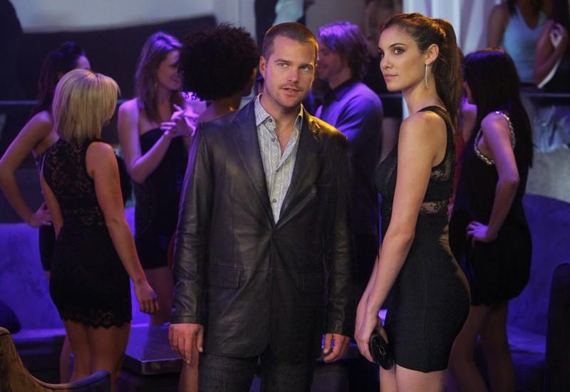 Un momento dell'episodio Fame di NCIS: Los Angeles con Chris O'Donnell e Daniela Ruah