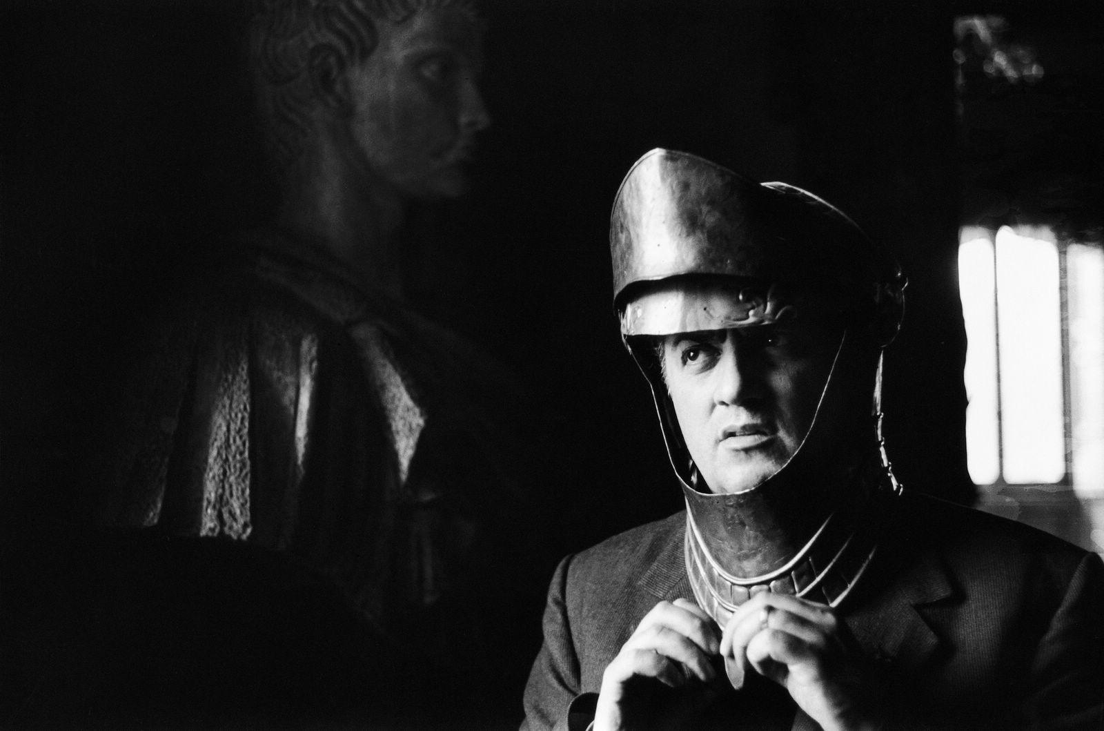 Wallpaper: Fellini sul set de La dolce vita