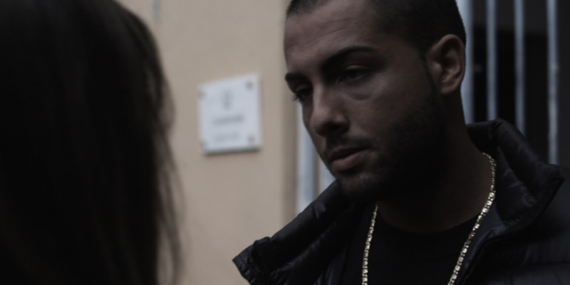 Loris Mazza in una scena del film Backward