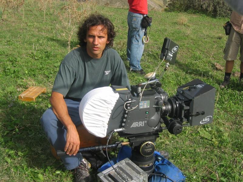 Michelangelo Frammartino sul set del film Le quattro volte