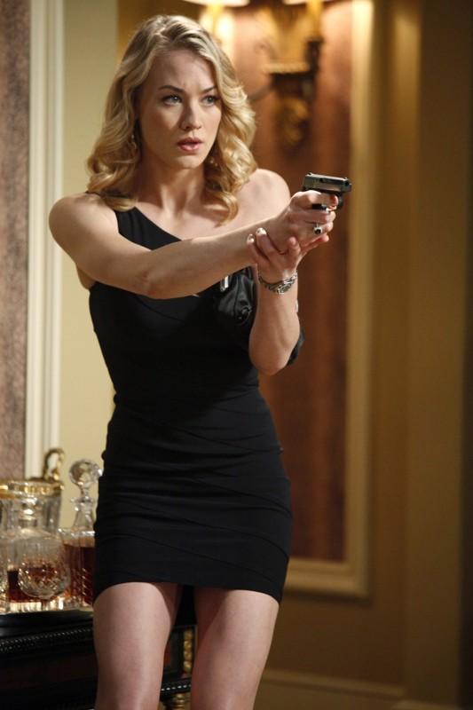 Sarah (Yvonne Strahovski) sexy e pericolosa nell'episodio Chuck Versus the Role Models