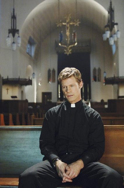 V: Joel Gretsch in un momento dell'episodio Hearts and Minds