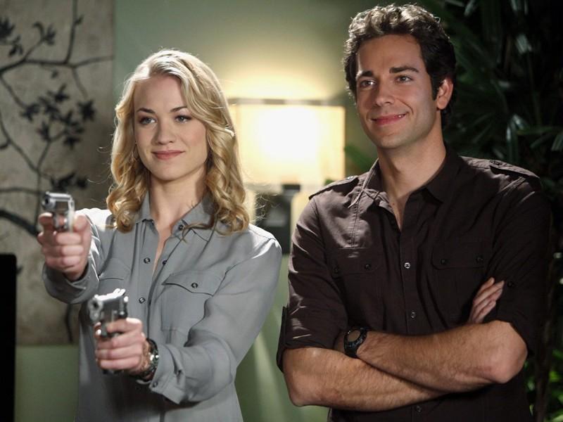 Yvonne Strahovski e Zachary Levi nell'episodio Chuck Versus the Role Models