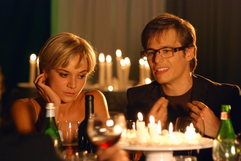 Camilla Ferranti con Antonio Ianniello in una sequenza di Alice