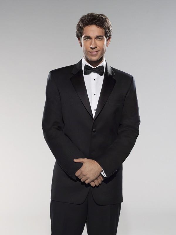 Zachary Levi in versione Agente Segreto per la stagione 3 di Chuck