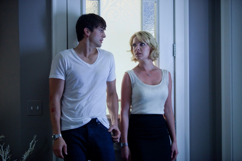 Spencer Aimes (Ashton Kutcher) e Jen Kornfeldt (Katherine Heigl) in una sequenza del film Killers