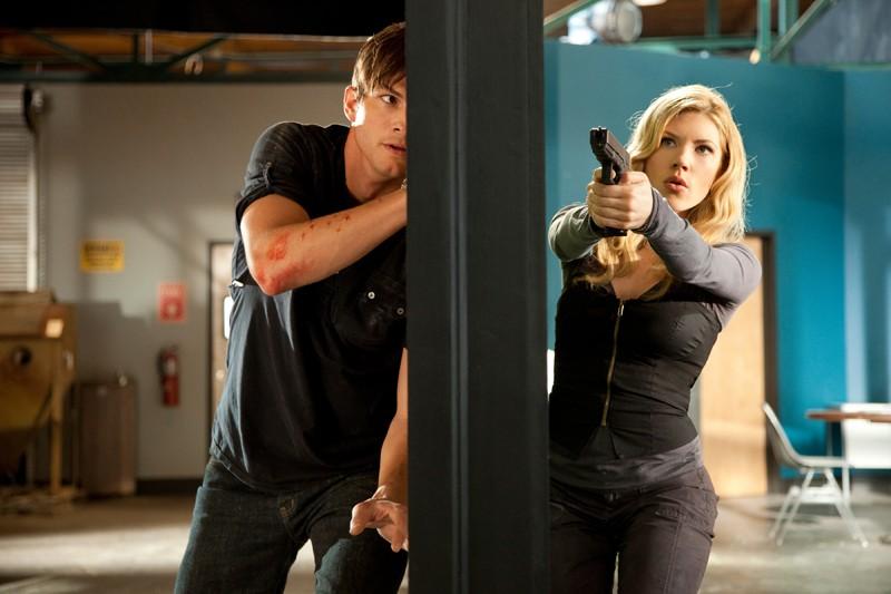 Spencer (Ashton Kutcher) e Vivian (Katheryn Winnick) nel film Killers