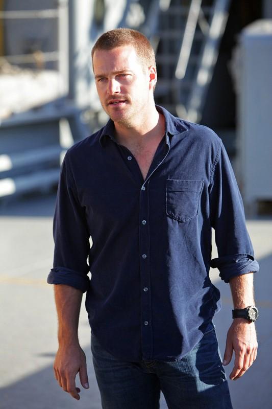 G Cullen (Chris O'Donnell) in una sequenza di: Hunted di NCIS: Los Angeles