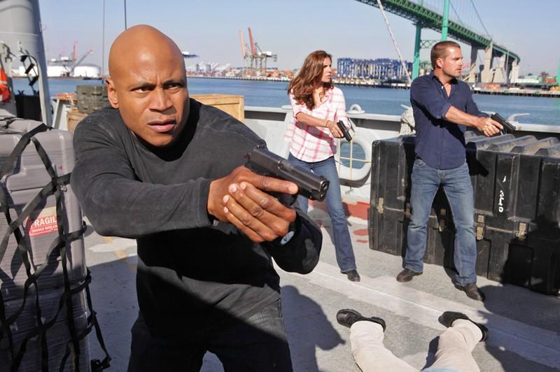 LL Cool J, Daniela Ruah e Chris O'Donnell in azione nell'episodio Hunted di NCIS: Los Angeles