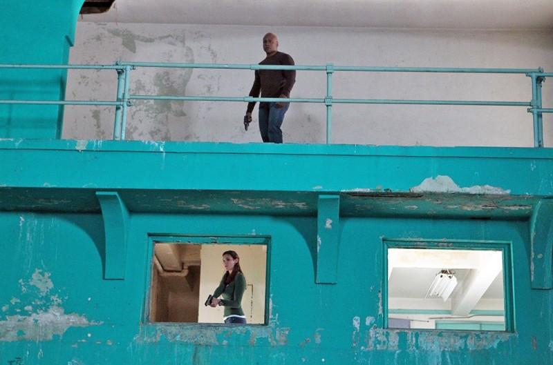 LL Cool J e Daniela Ruah nell'episodio Callen, G di NCIS: Los Angeles
