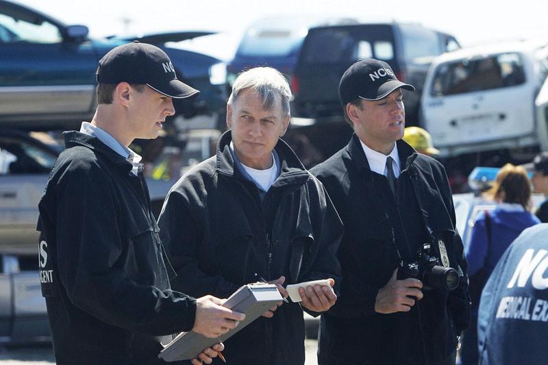McGee (Sean Murray), Gibbs (Mark Harmon) e Tony (Michael Weatherly) in: Borderland di N.C.I.S.