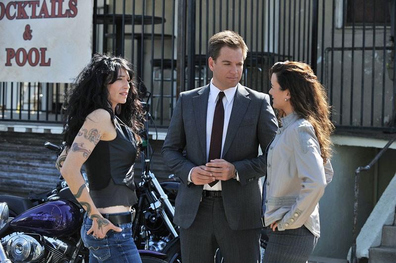 Velvet Road (Claudia Black), Tony (Michael Weatherly) e Ziva (Cote de Pablo) nell'episodio Borderland di N.C.I.S.