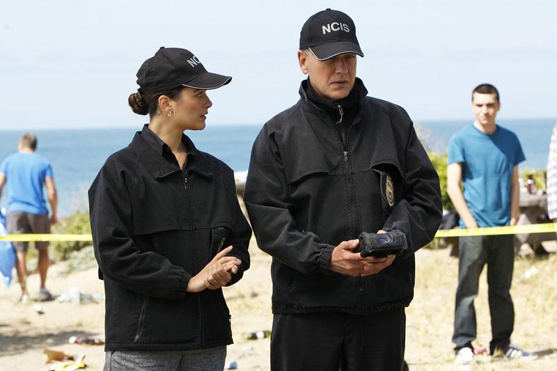 Ziva (Cote de Pablo) e Jethro Gibbs (Mark Harmon) in una sequenza dell'episodio Patriot Down di N.C.I.S.