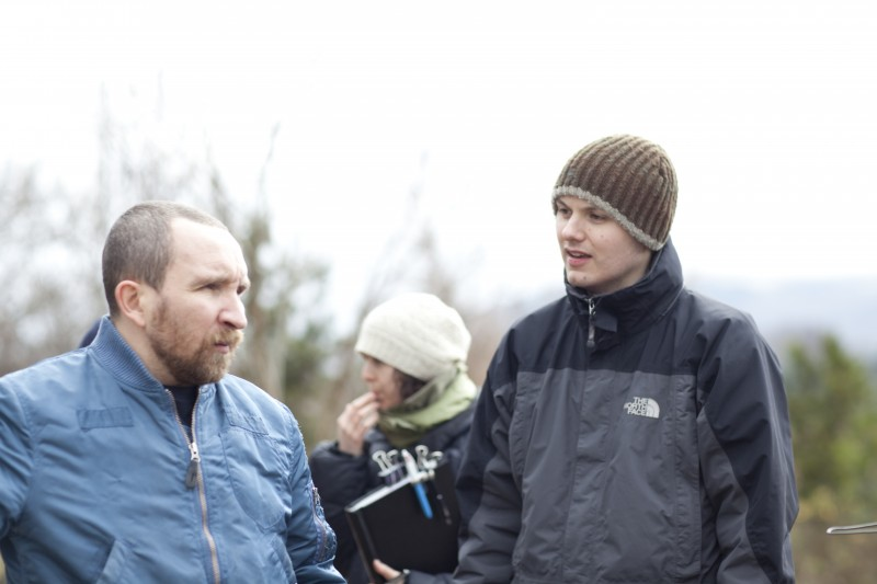 Eddie Marsan e il regista J Blakeson sul set del film The Disappearance of Alice Creed