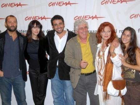 Festival di Roma 2006, il cast di Uno su due: Fabio Volo, Anita Caprioli, Ninetto Davoli, Agostina Belli e Tresy Taddei