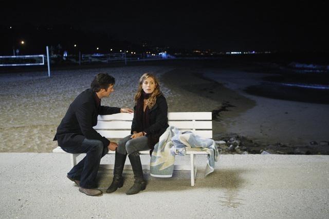 FlashForward: Sonya Walger e Jack Davenport nell'episodio Future Shock