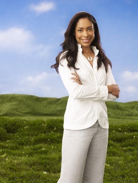 Gina Torres in una foto promozionale della serie Huge