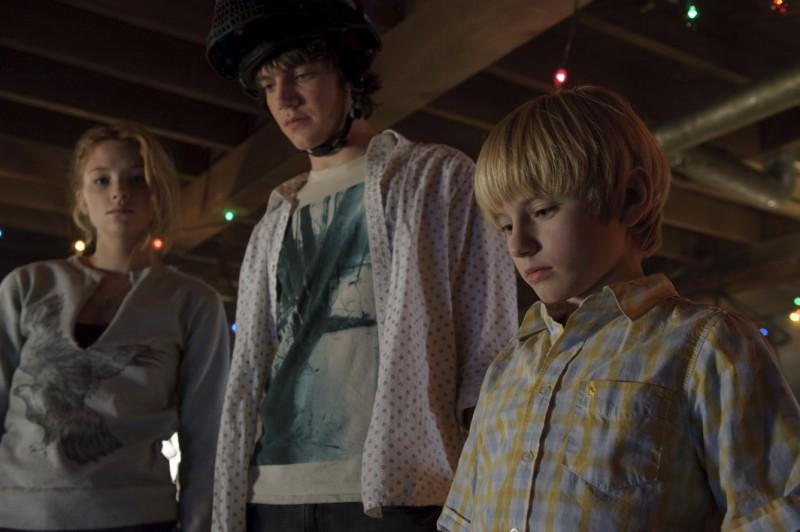 Haley Bennett, Nathan Gamble e Chris Massoglia in una sequenza del film The Hole in 3D